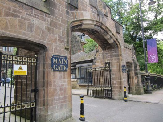 The main gate of the University of Glasgow